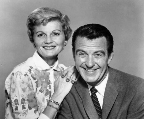 june_and_ward_cleaver_leave_it_to_beaver_1958-e1406984833857